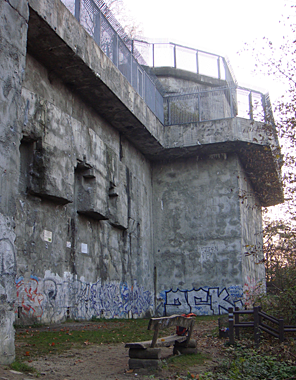 Humboldtbunker, Kletterwand des DAV Sektion Berlin