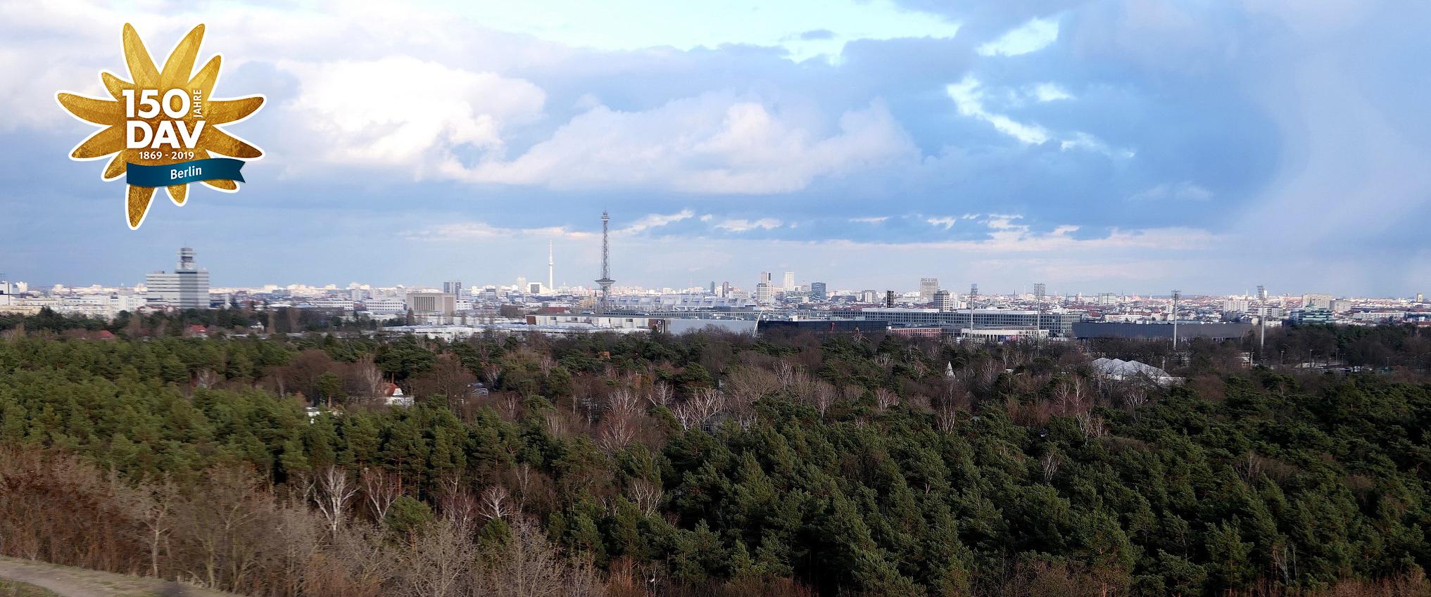 Blick vom Drachenberg zum Funkturm. Foto: Udo Preugschat