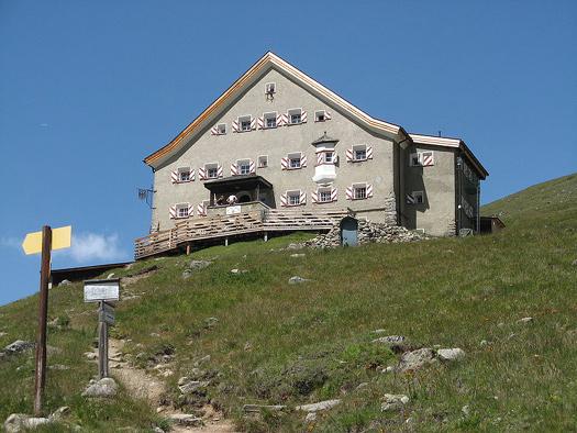 Hochjochhospiz Hütte DAV Sektion Berloin Ötztaler Alpen