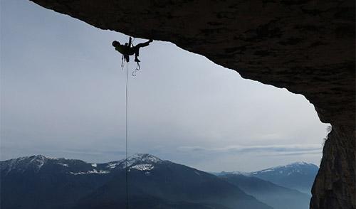 Das große Dach der Route Universo Giallo am Monte Brento. Foto M. Schuster